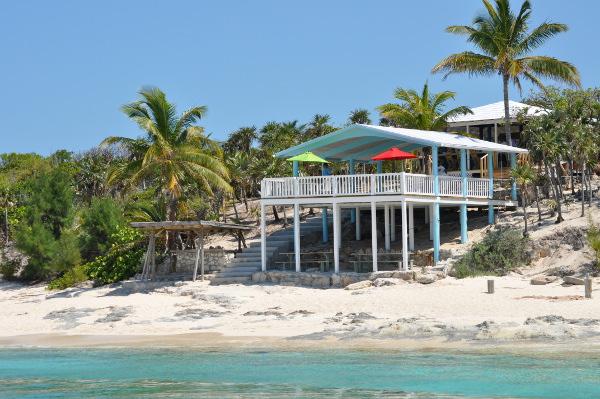 Our veranda & beach bar